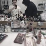 Grant Gustin The Flash en el camerino