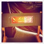 Grant Gustin The Flash silla rodaje